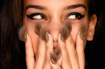 Новый beauty-тренд: Пушистый маникюр!