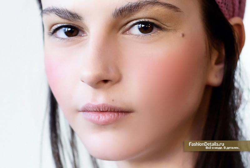 макияж в розовых оттенках, натуральный розовый румянец